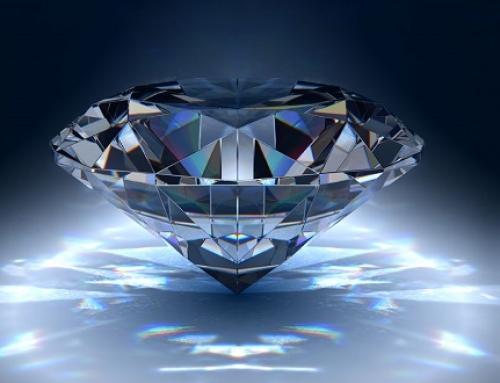 ¿Qué pureza, peso, color y talla debo escoger cuando compro un diamante para una joya?