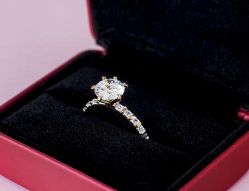 Diez razones para comprar anillos de compromiso de platino