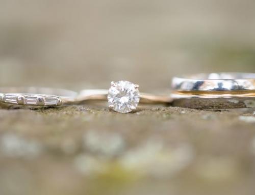 ¿Puede un diamante caerse de un anillo?